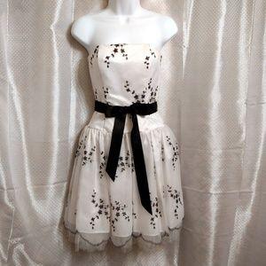 White & Black Dress Jessica McClinock 1/2